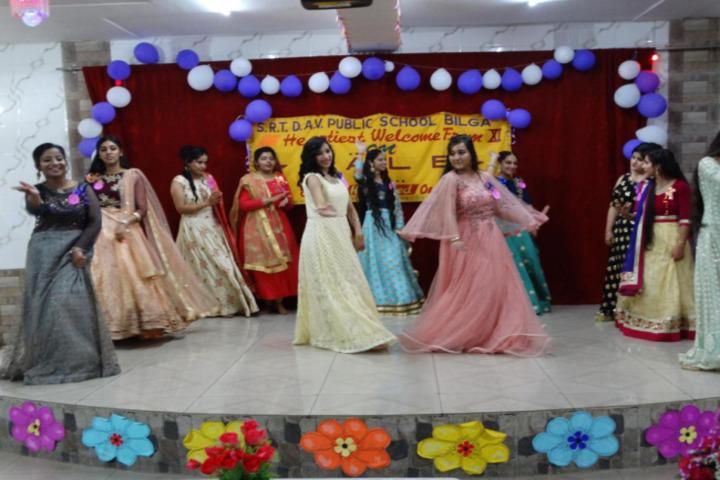 Sheela Rani Tangri Dav Public School-Dance