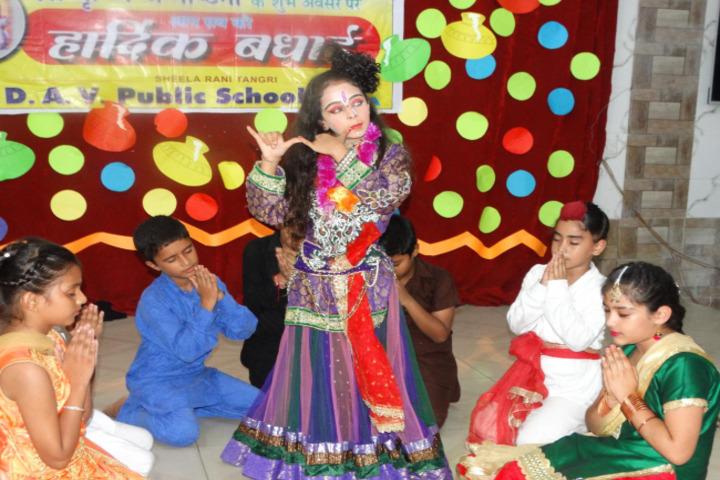 Sheela Rani Tangri Dav Public School-Fancy Dress