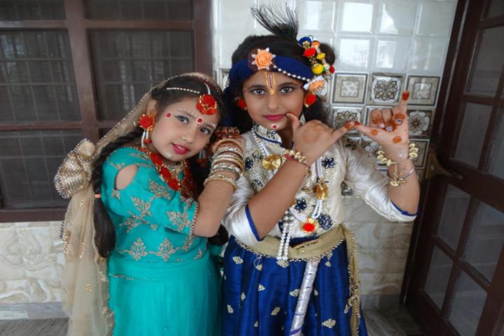 Sheela Rani Tangri Dav Public School-Festival Celabrations
