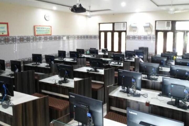 Sheela Rani Tangri Dav Public School-Computer Lab