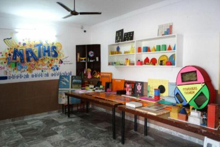 Sheela Rani Tangri Dav Public School-Math Lab