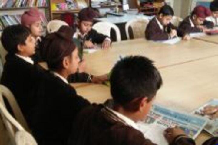 Shishu Niketan Public School-Library