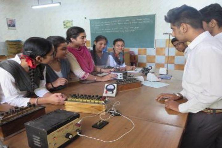 Shivalik Public School-Physics Lab