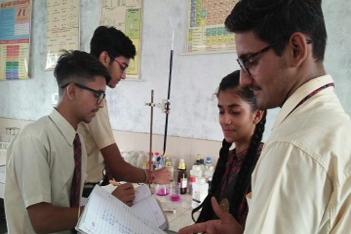 Shivalikwala Doon School-Chemistry Lab