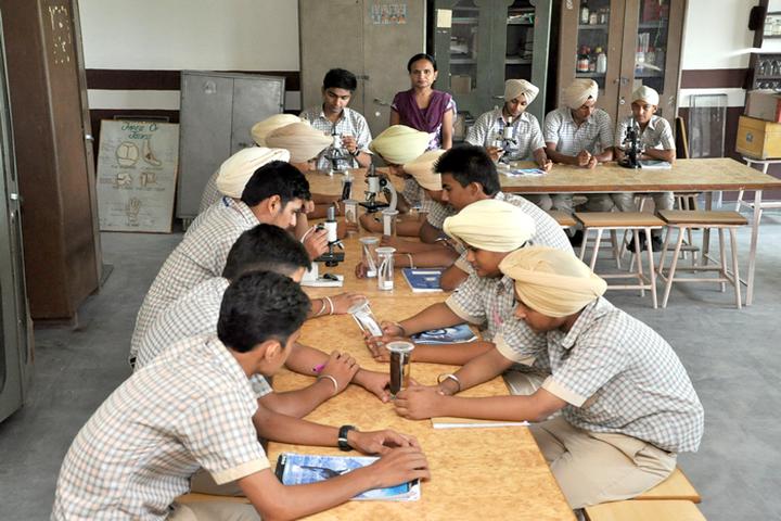 Shiwalik Public School-Biology Lab