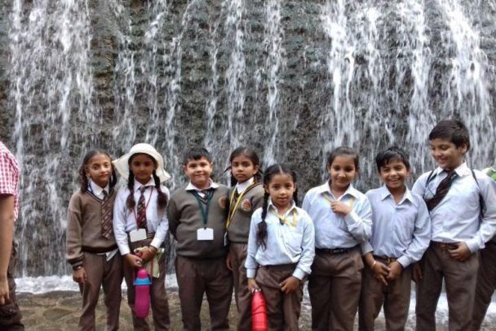 Shri Usha Mata Public School-Educational Tour