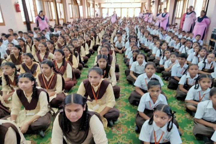 Shri Usha Mata Public School-Students