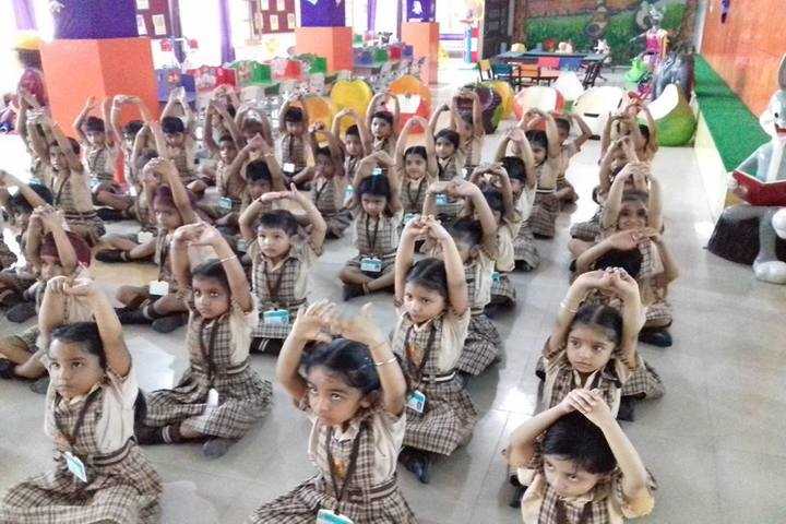 Shri Usha Mata Public School-Yoga