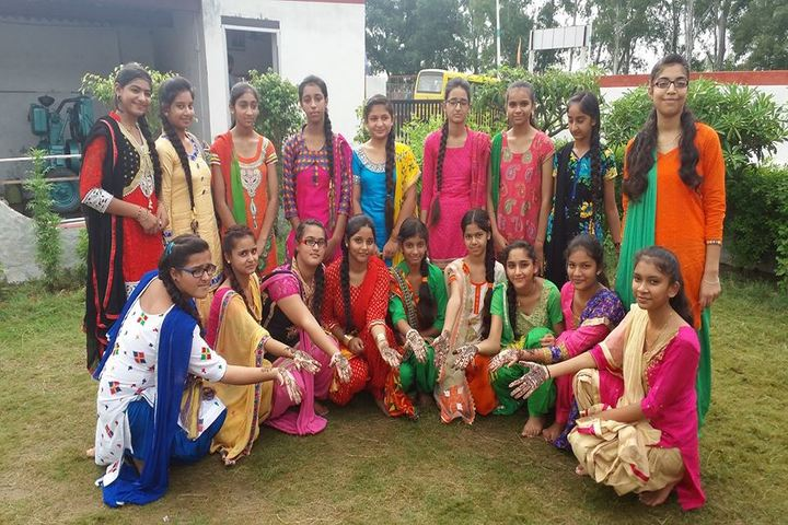 Sir Marshal School-Mehandi Competition