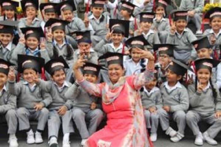 Smart Wonders School-Graduation Day