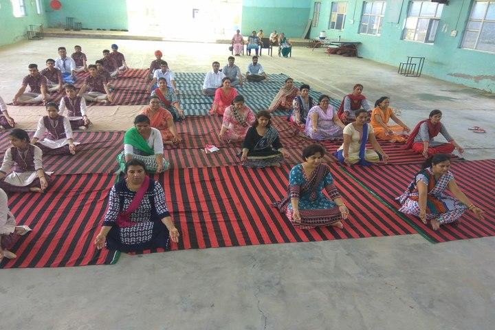 Smt Karam Bai Dav Centenary Public School-Yoga Day