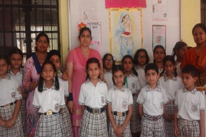 Sri Guru Harkishan Public School-Mothers Day Celebrations