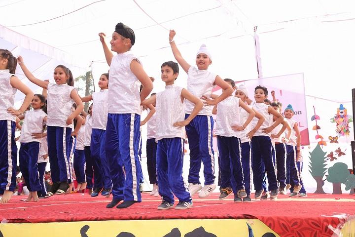 St Farid Public School-Dance