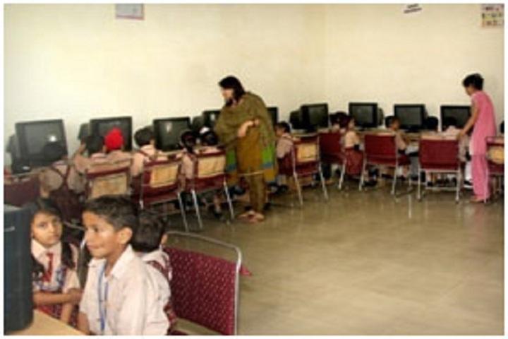St Soldier Divine Public School Naya Nangal-computer Lab