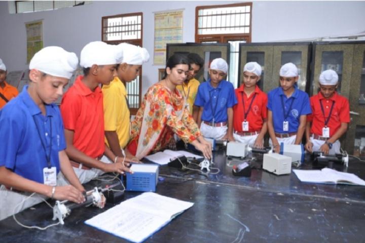 St Soldier Elite Convent School Chawinda Devi-Physics lab