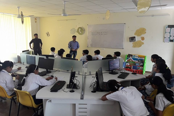 Stalwarts World School-computer Lab