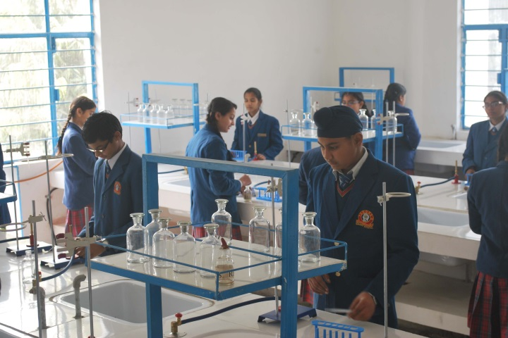 Tagores International Smart School-Chemistry Lab