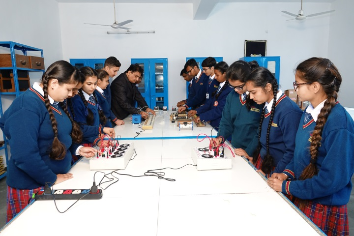 Tagores International Smart School-Physics Lab