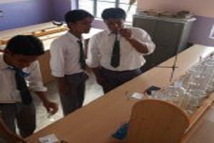 Kainat International School-Science Lab