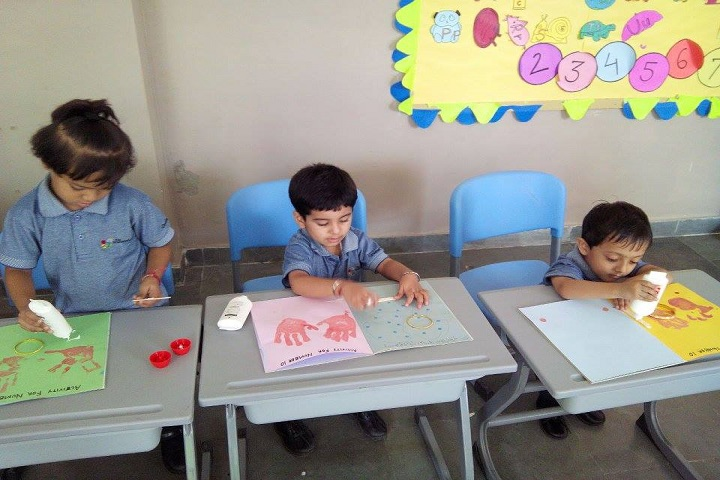 The Knowledge Bus Global School-Activity