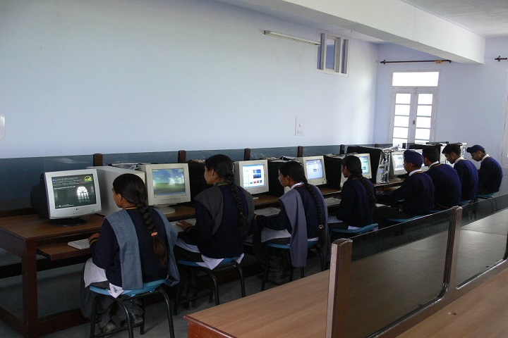 The Pinewood International Senior Secondary School-Computer Lab