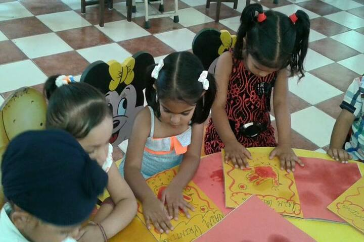 The Royal World International School-Activity