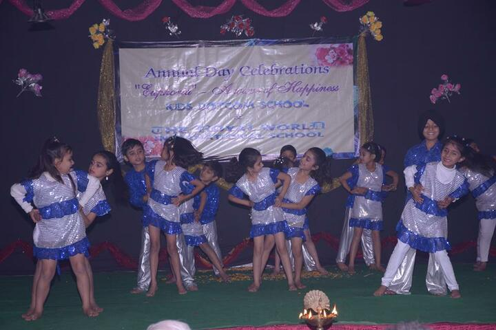 The Royal World International School-Childrens Day