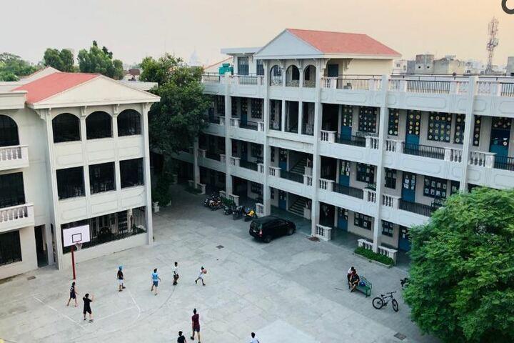 The Senior Study II-Campus