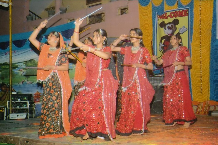 A N Public Secondary School-Dance