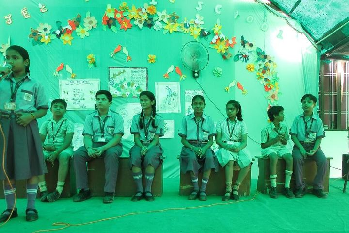 Ajeet Public Senior Secondary School-Debate Competetion