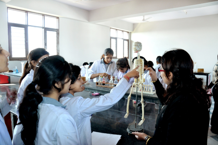 Apex International School-Biology lab