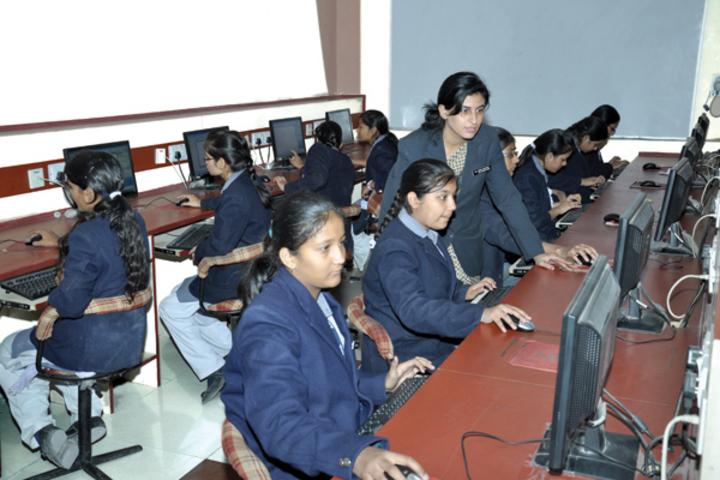 Apex International School-Computer Lab