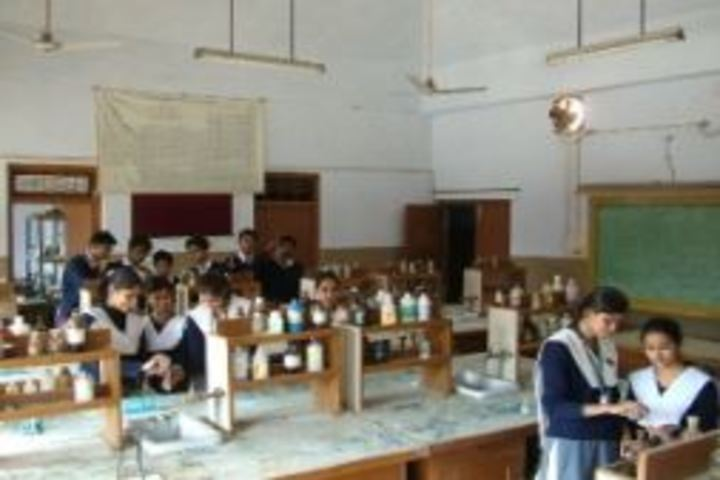 Atomic Energy Central School No 4-Chemistry Lab