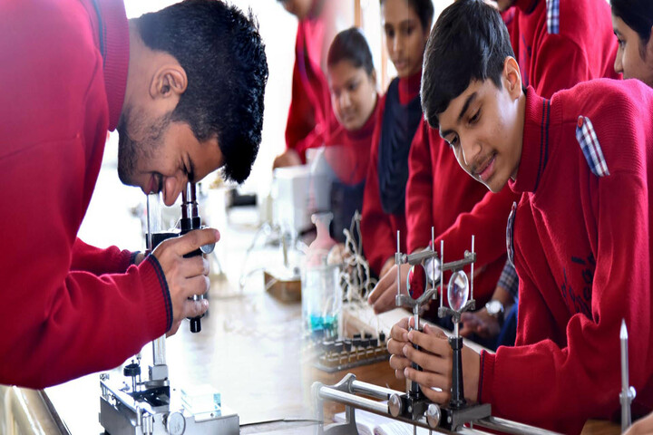 Bakhshis Springdales Senior Secondary School-Biology Lab