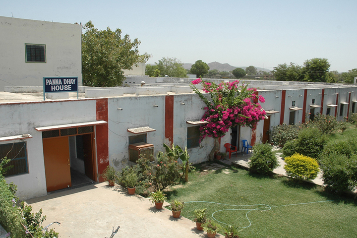 Bhopal NobleS Public School-Building