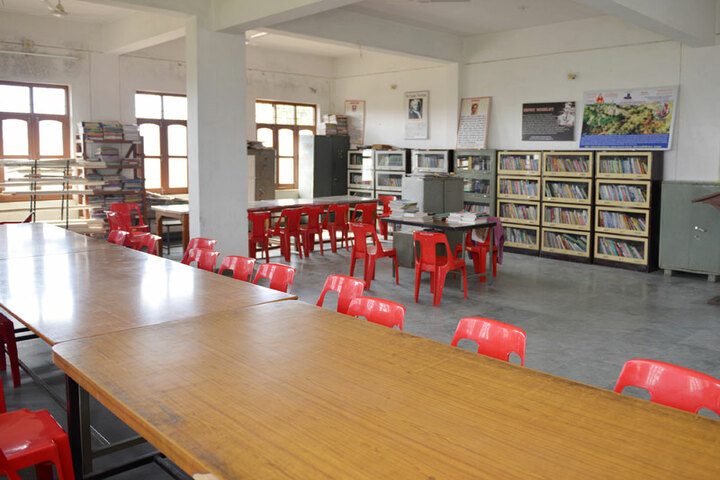 Bhopal NobleS Public School-Library