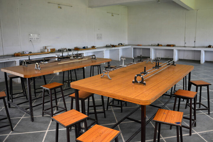 Bhopal NobleS Public School-Physics Lab