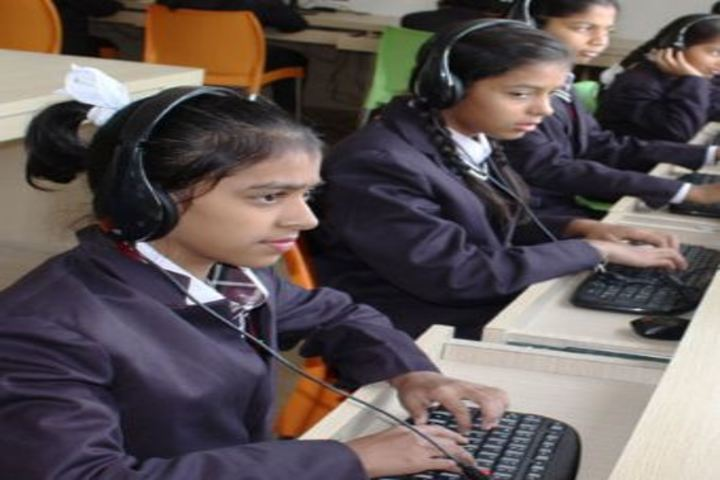 Bodhi International School-I T Lab
