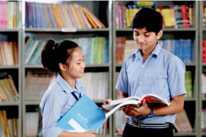 Career Point Gurukul School-Library