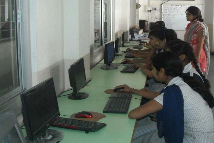 Central Academy School-Computer Lab