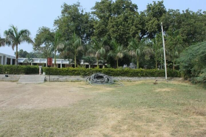D A V Acc Public School-Play Ground
