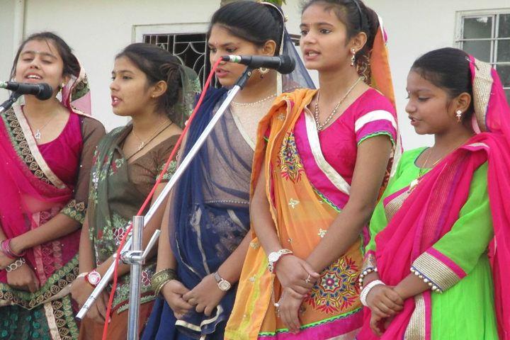 Dalmia Vidya Mandir-Singing