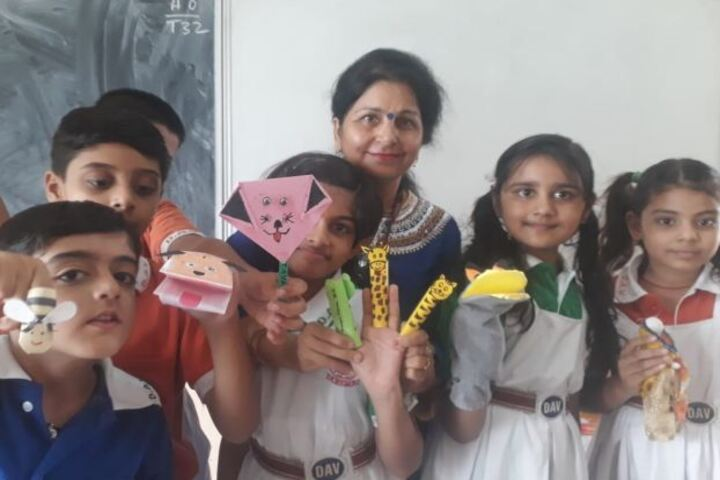 Dav Centenary Public School-Paper Craft