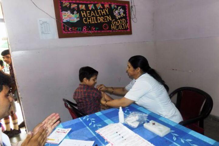 Dav Centenary Public School-Vaccination Camp