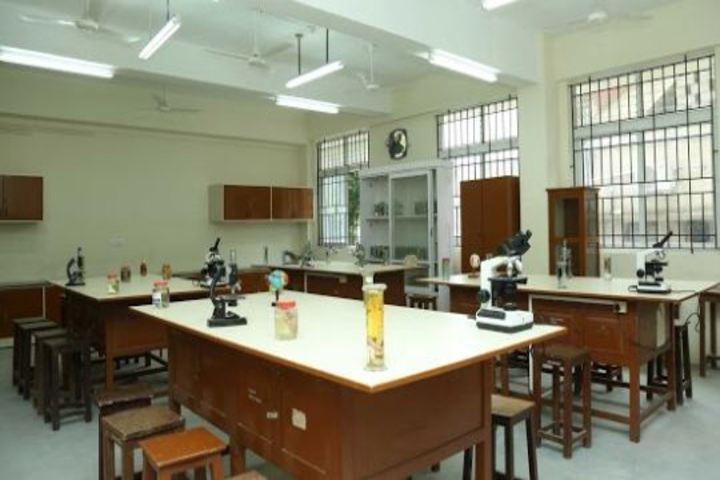 Decent School-Biology Lab