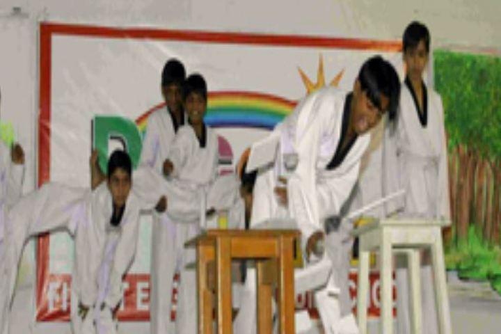 Decent School-Karate