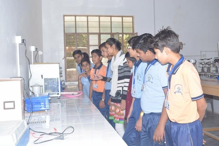 Deeksha International School-Physics Lab