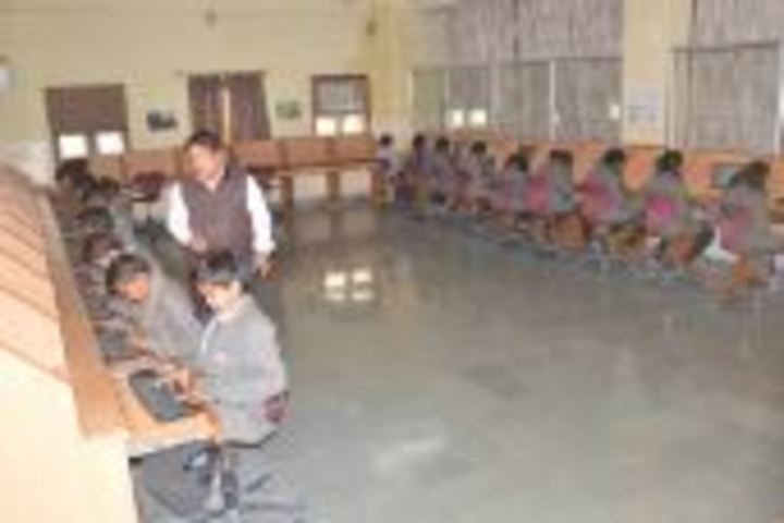 Dr K N Modi Global School-Computer Lab