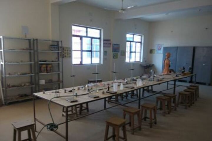 Ekta Public School-Science Lab