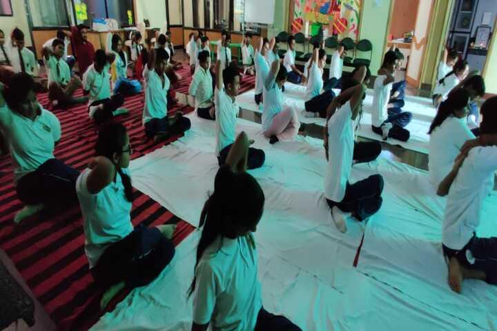 Evergreen Public School-Yoga day